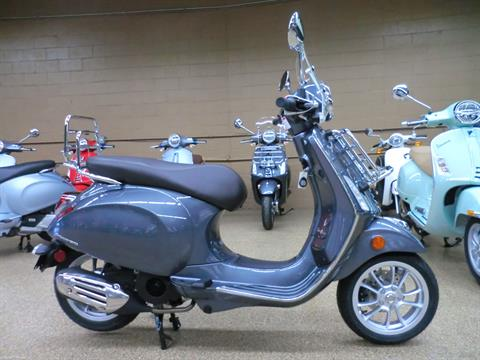 2021 Vespa Primavera 150 Touring in Downers Grove, Illinois - Photo 6