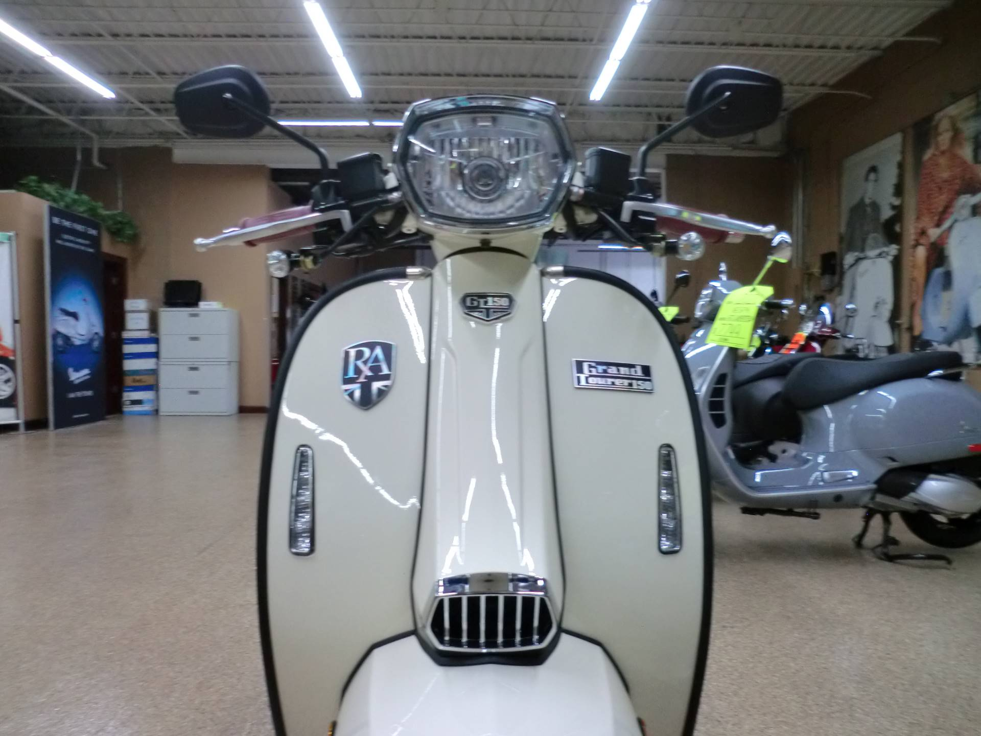 2020 Genuine Scooters Royal Alloy GT150 in Downers Grove, Illinois - Photo 2