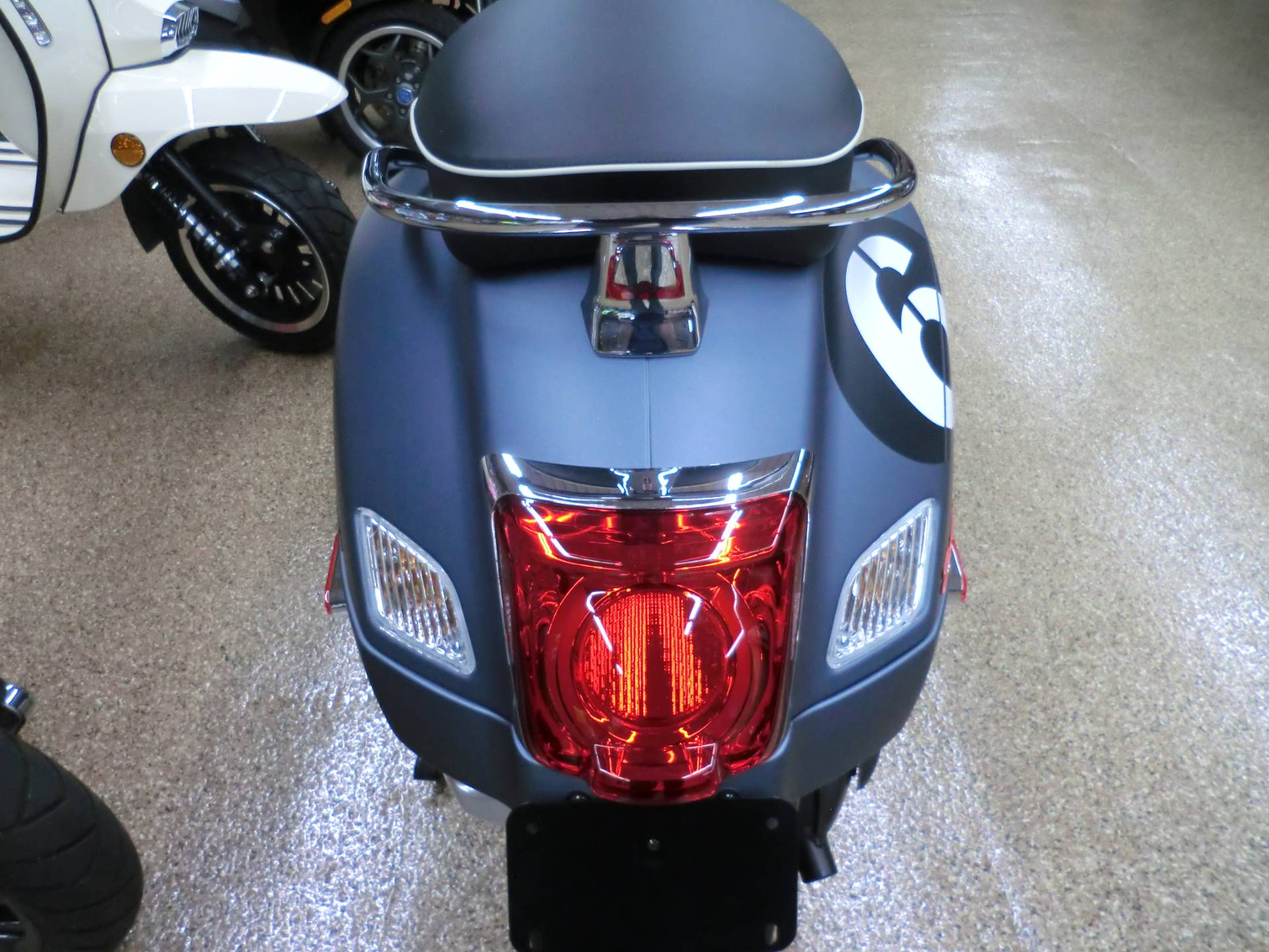 2020 Vespa GTV 300 HPE Sei Giorni in Downers Grove, Illinois - Photo 6