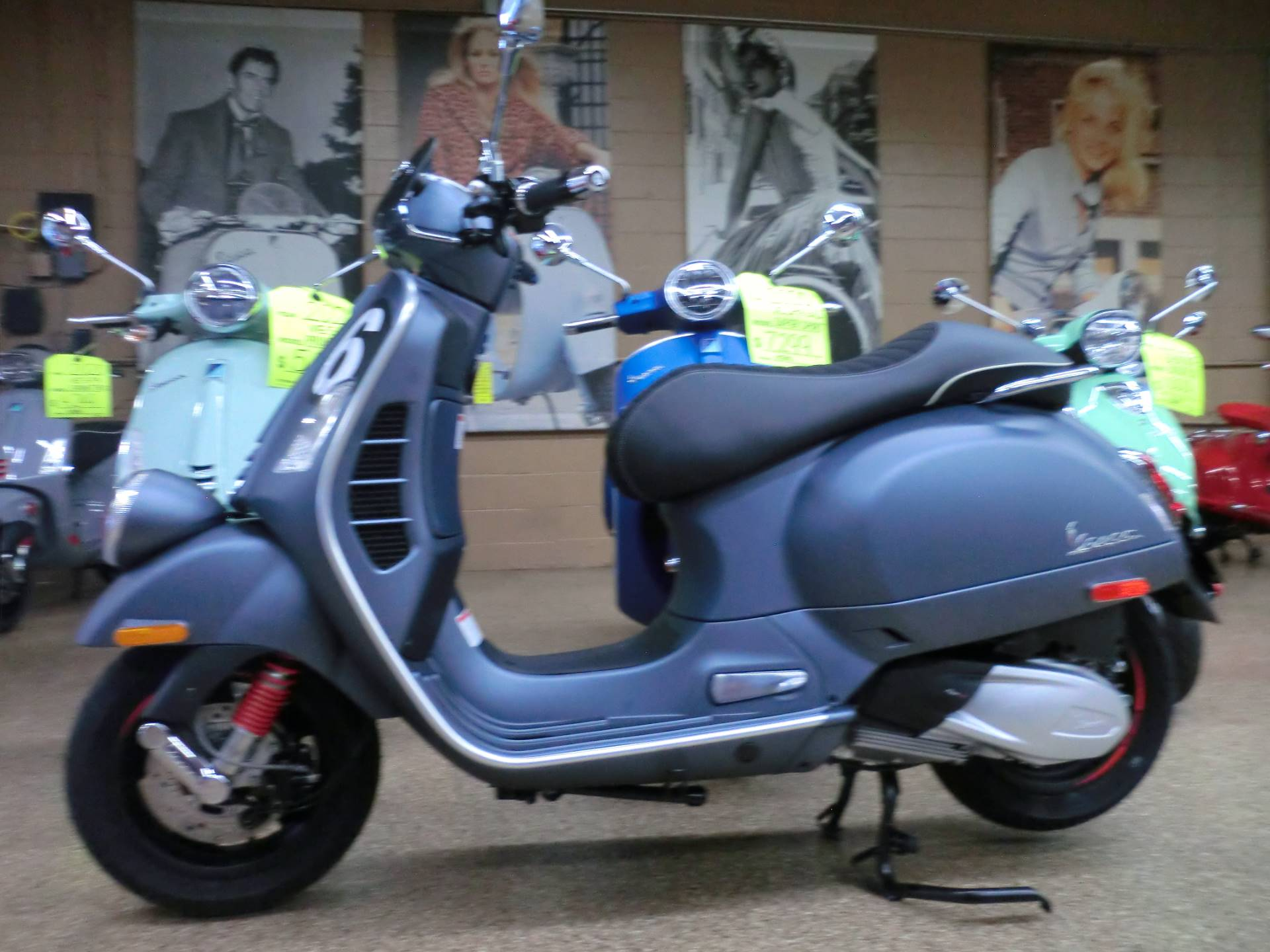 2020 Vespa GTV 300 HPE Sei Giorni in Downers Grove, Illinois - Photo 4