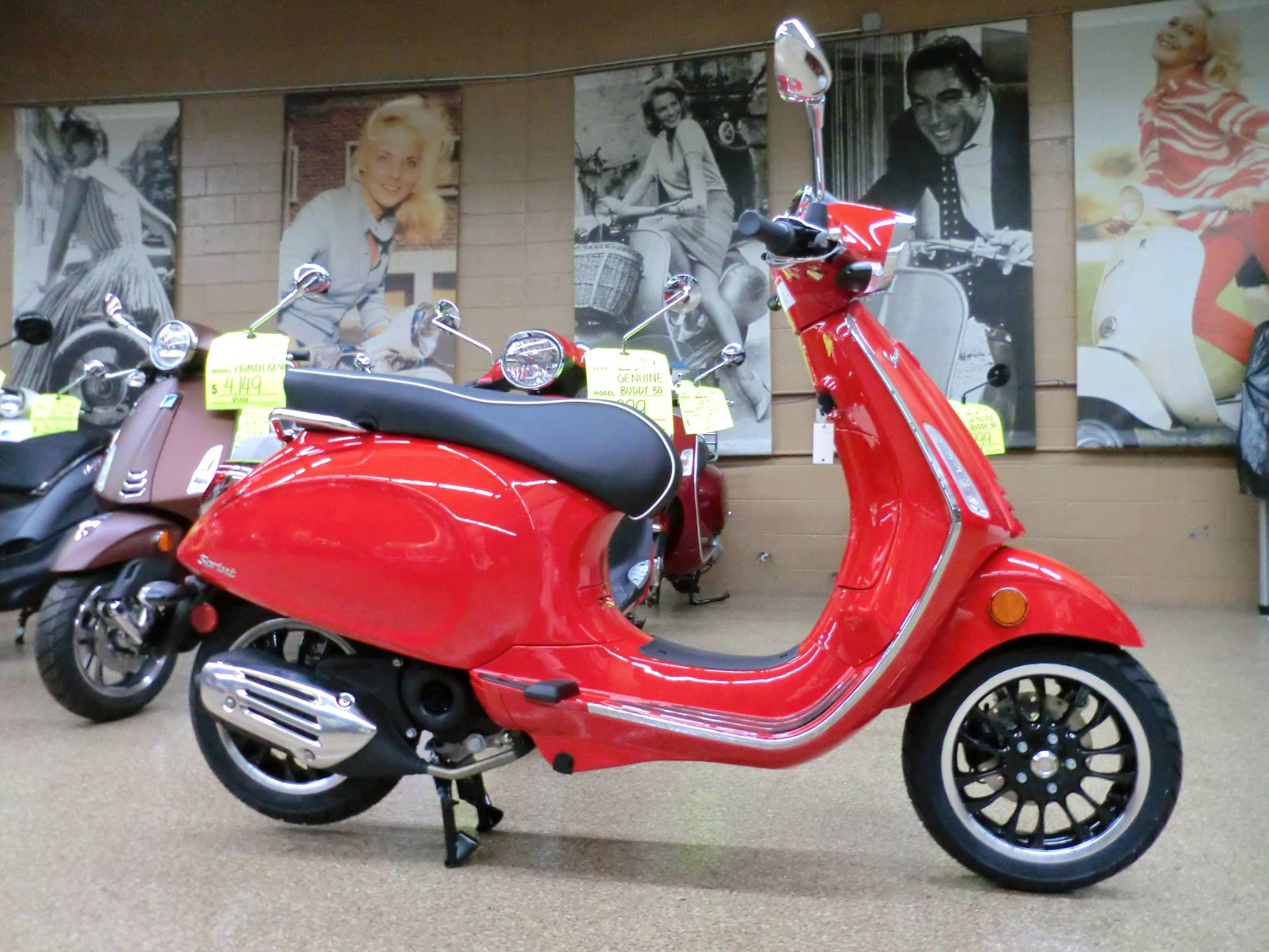 2020 Vespa Sprint 50 in Downers Grove, Illinois - Photo 6