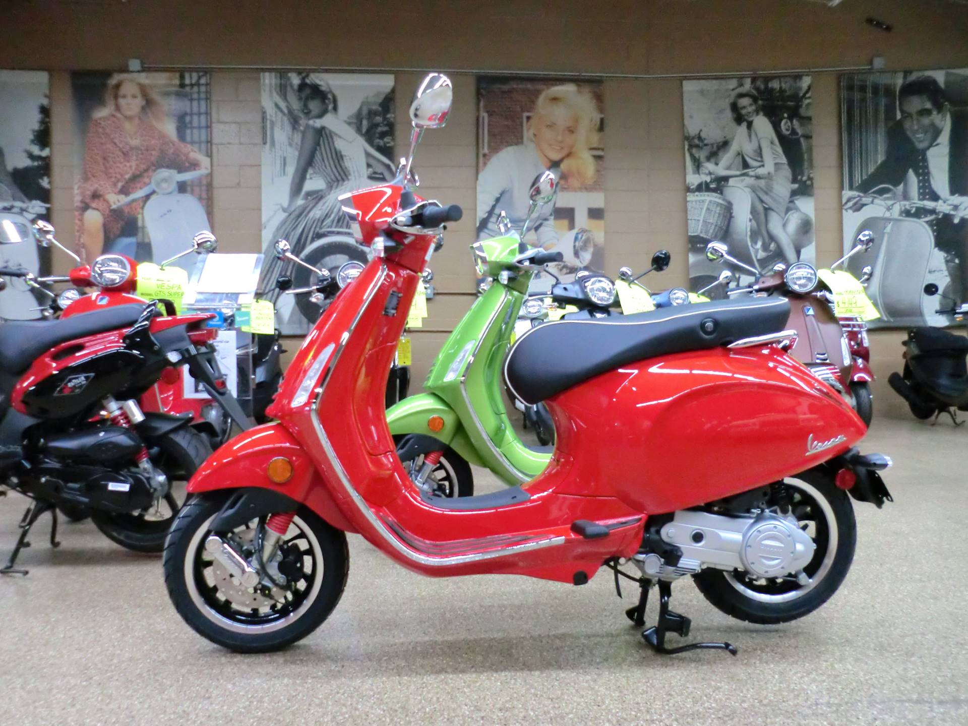 2020 Vespa Sprint 50 in Downers Grove, Illinois - Photo 4