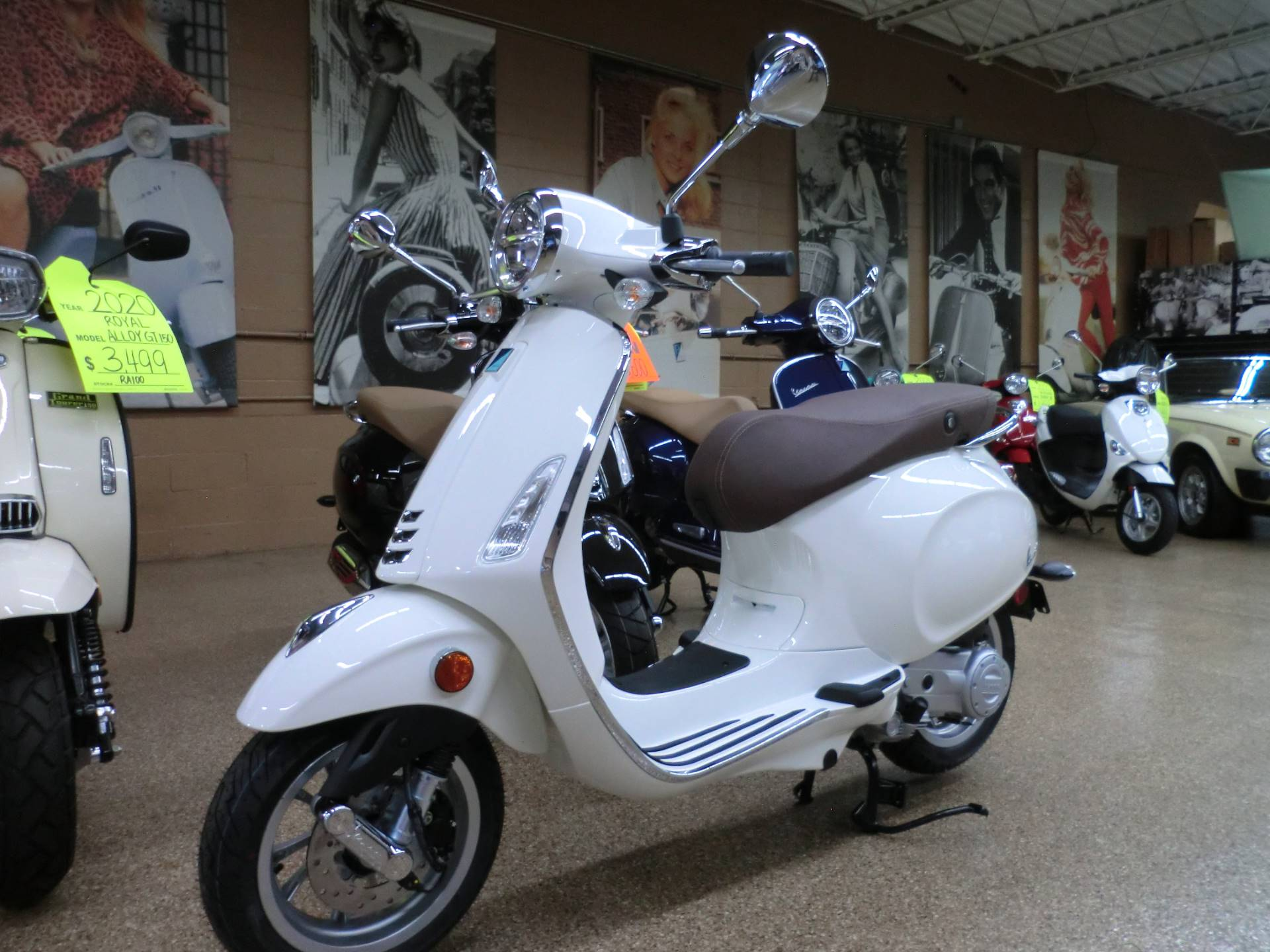 2020 Vespa Primavera 50 in Downers Grove, Illinois - Photo 3
