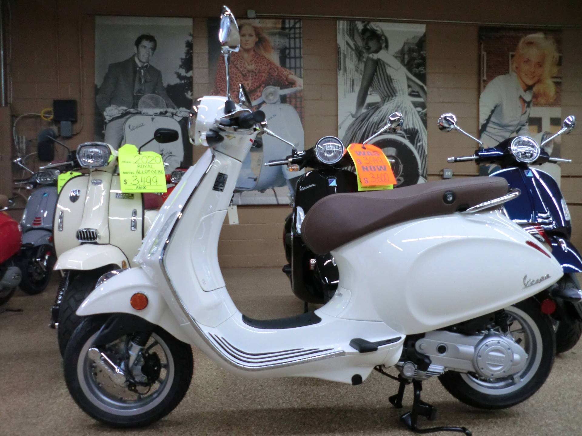 2020 Vespa Primavera 50 in Downers Grove, Illinois - Photo 4