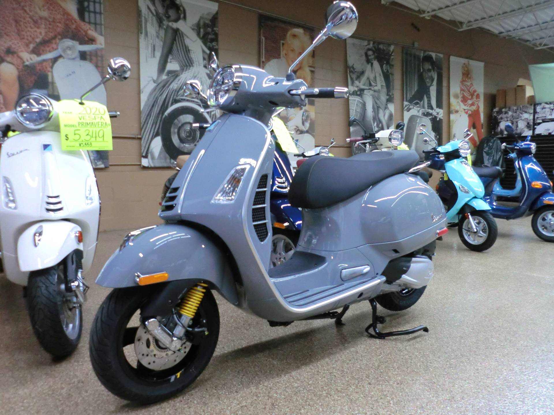 2020 Vespa GTS Supertech 300 HPE in Downers Grove, Illinois - Photo 3