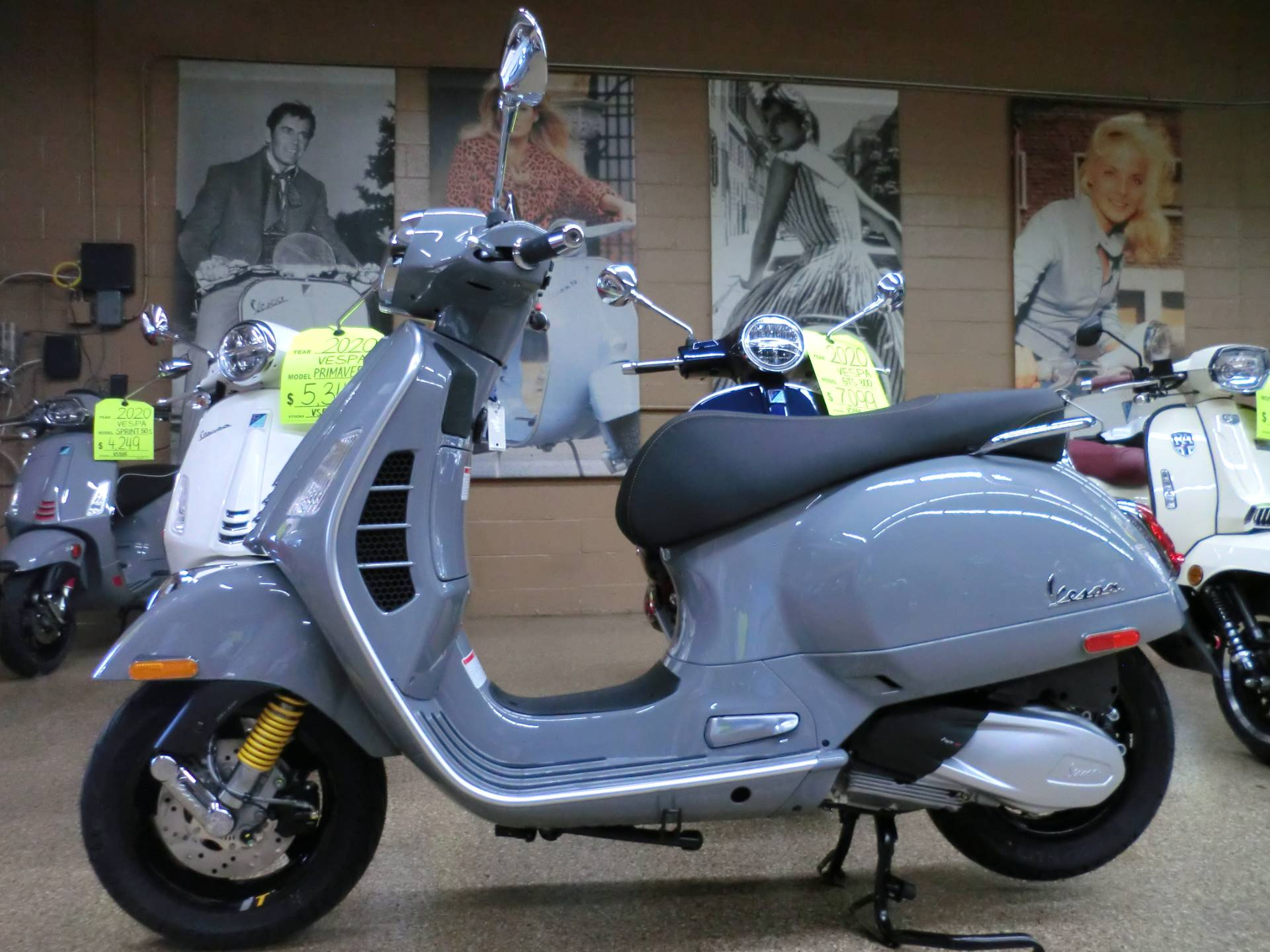 2020 Vespa GTS Supertech 300 HPE in Downers Grove, Illinois - Photo 4