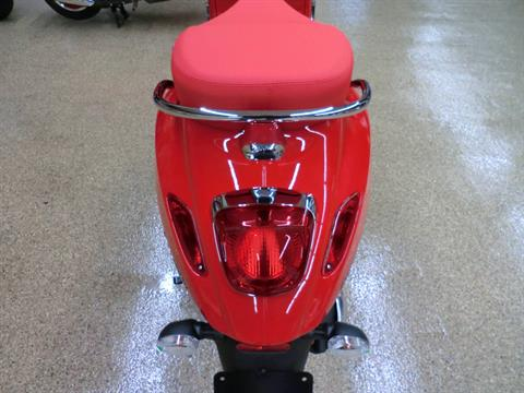 2021 Vespa Primavera 50 iGet Red in Downers Grove, Illinois - Photo 5