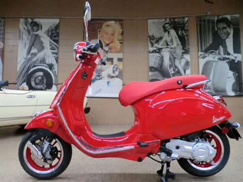 2021 Vespa Primavera 50 iGet Red in Downers Grove, Illinois - Photo 4