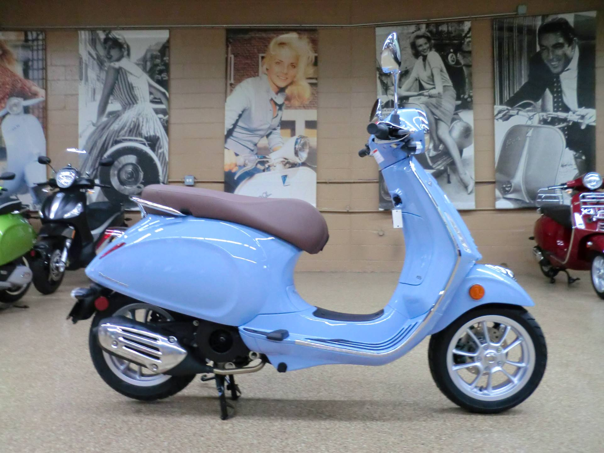 2019 Vespa Primavera 150 in Downers Grove, Illinois - Photo 6
