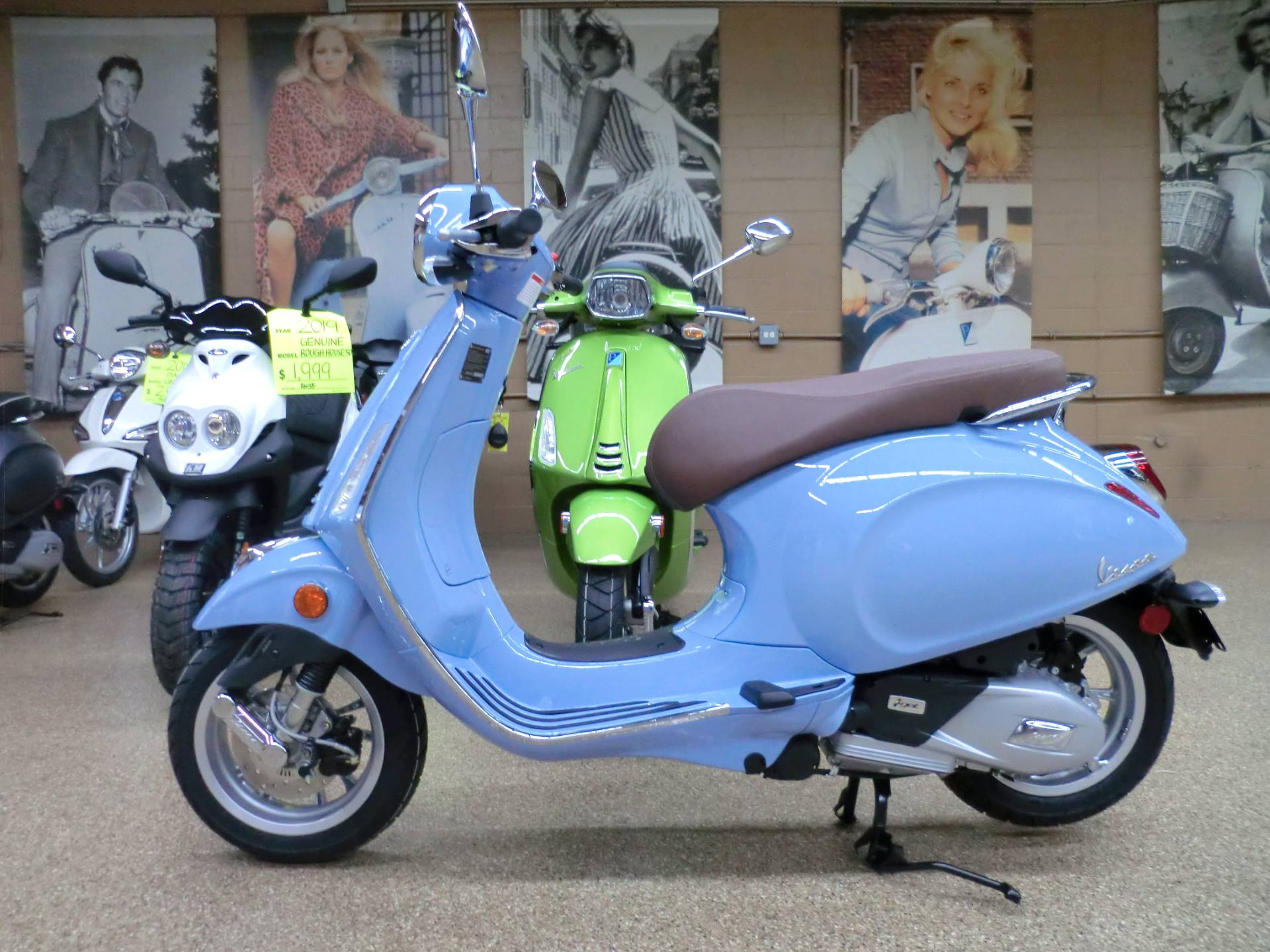 2019 Vespa Primavera 150 in Downers Grove, Illinois - Photo 4