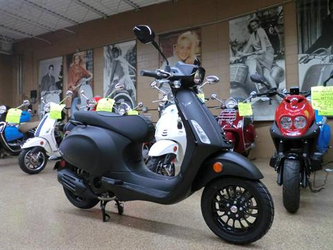 2019 Vespa Sprint Notte 150 in Downers Grove, Illinois