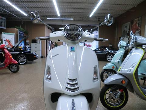 2021 Vespa GTS Super 300 HPE in Downers Grove, Illinois - Photo 2