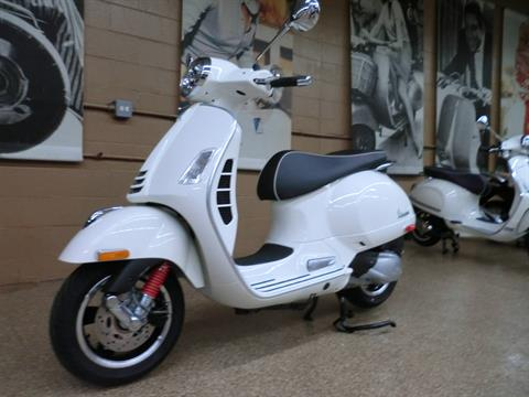 2021 Vespa GTS Super 300 HPE in Downers Grove, Illinois - Photo 3