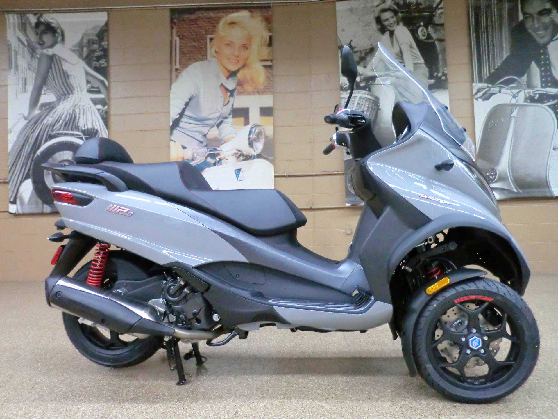 2020 Piaggio MP3 500 Sport in Downers Grove, Illinois - Photo 6