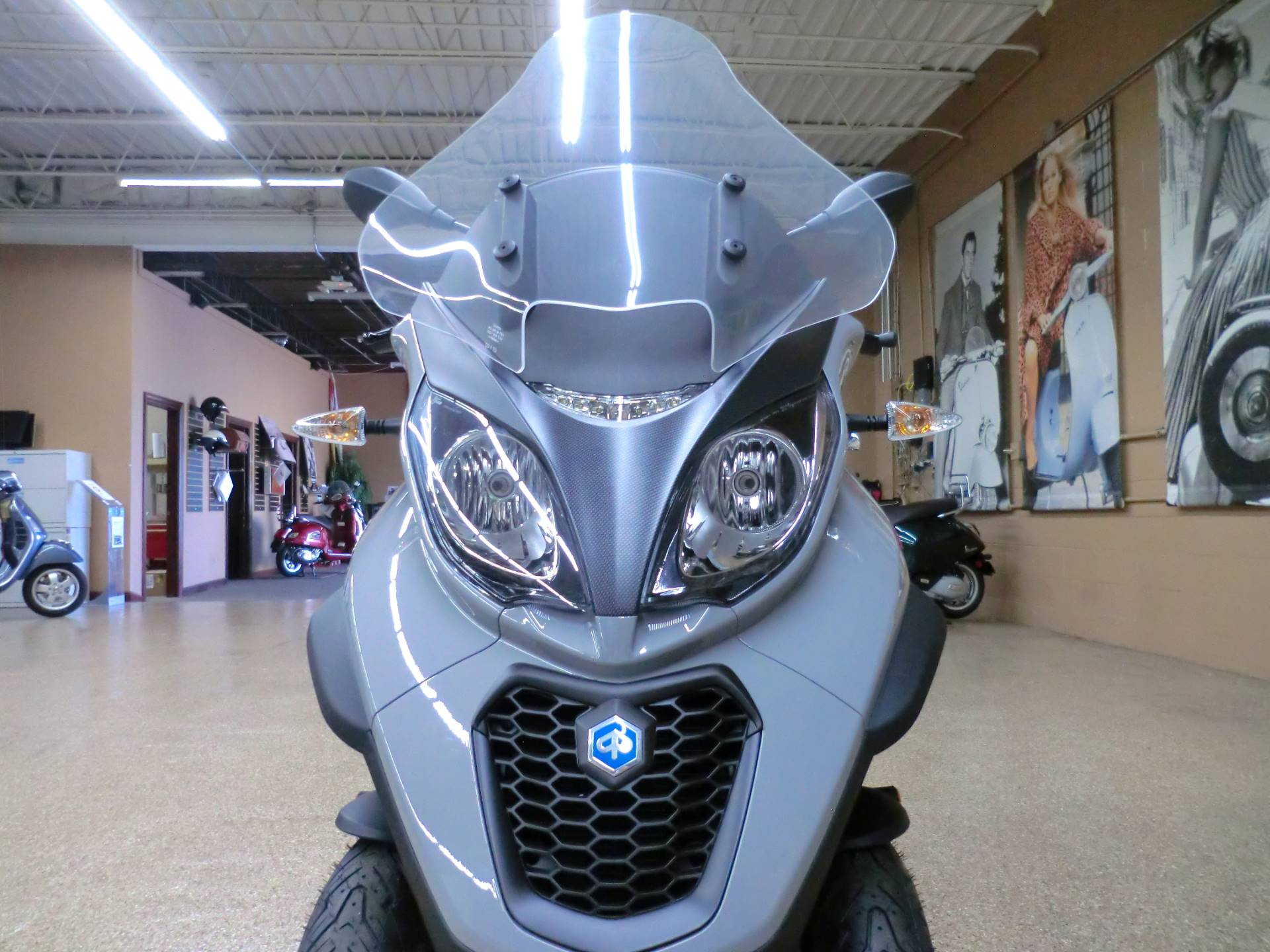 2020 Piaggio MP3 500 Sport in Downers Grove, Illinois - Photo 2