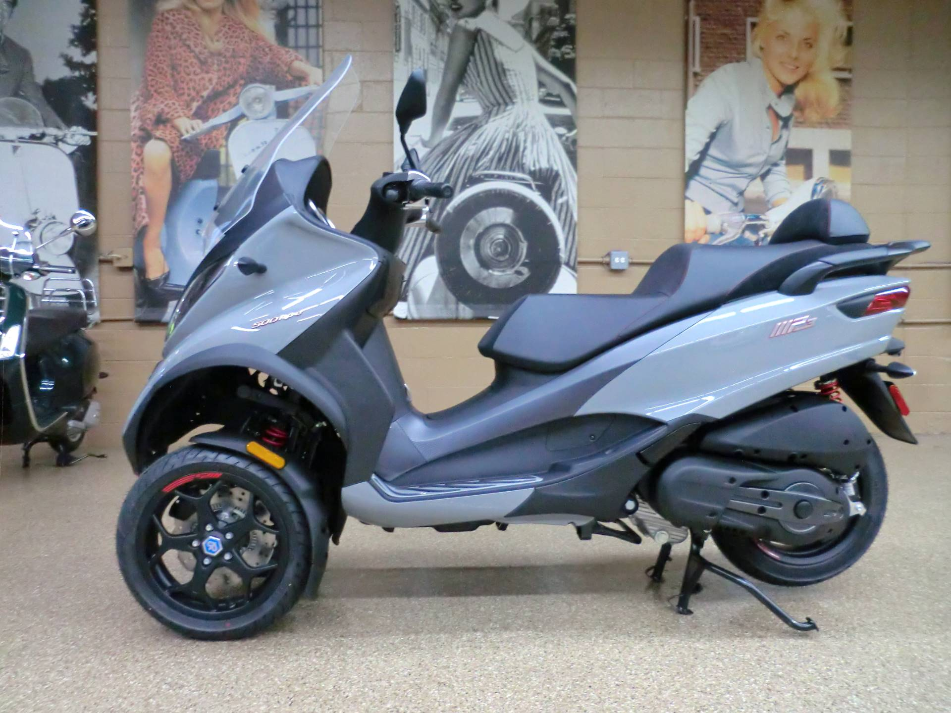 2020 Piaggio MP3 500 Sport in Downers Grove, Illinois - Photo 4