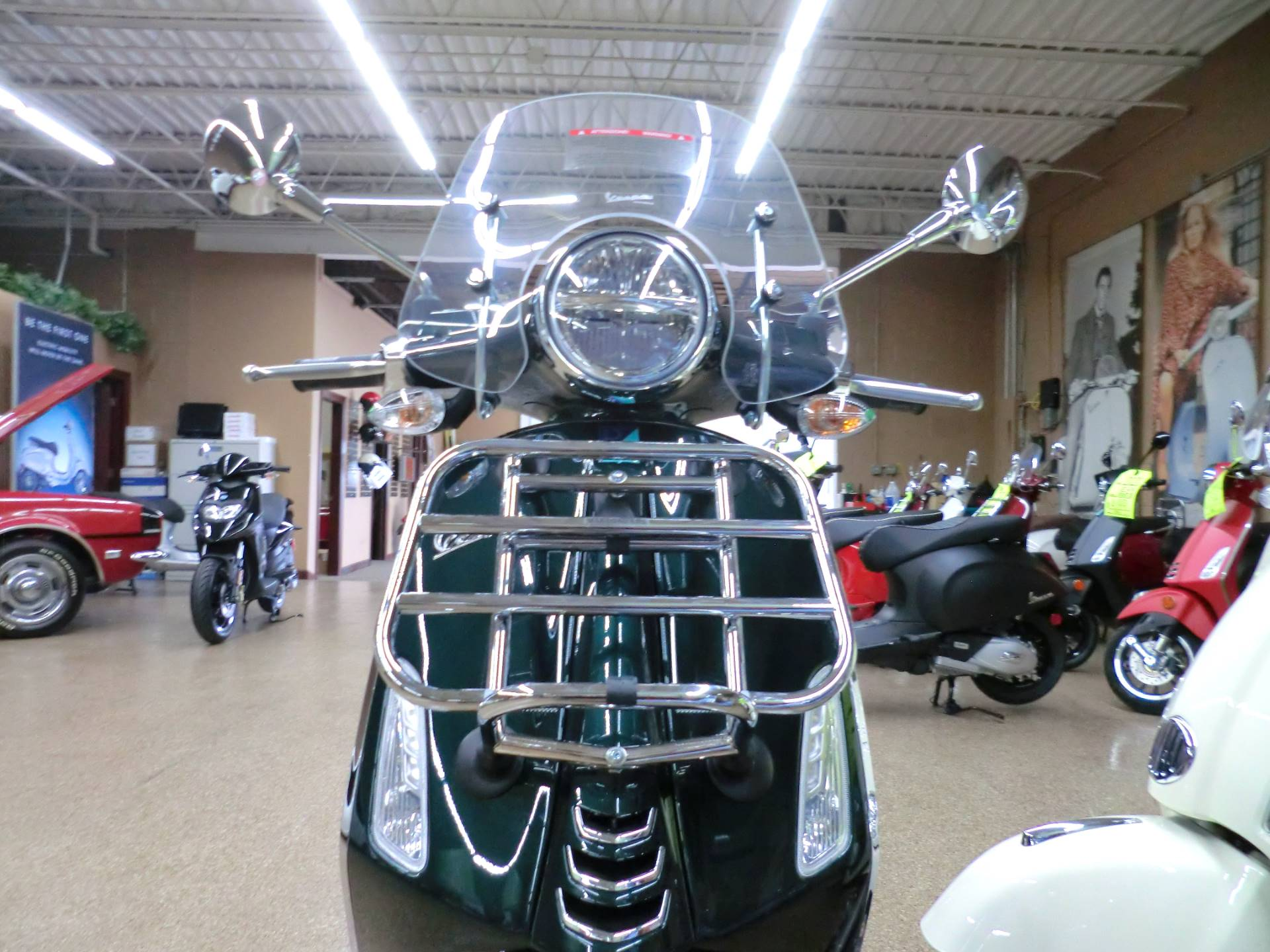 2020 Vespa Primavera Touring 150 in Downers Grove, Illinois - Photo 2