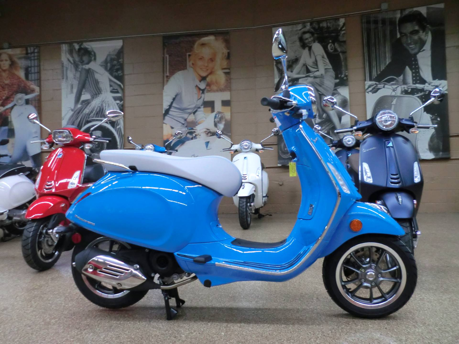 2019 Vespa Primavera 50th Anniversary 50 cc in Downers Grove, Illinois