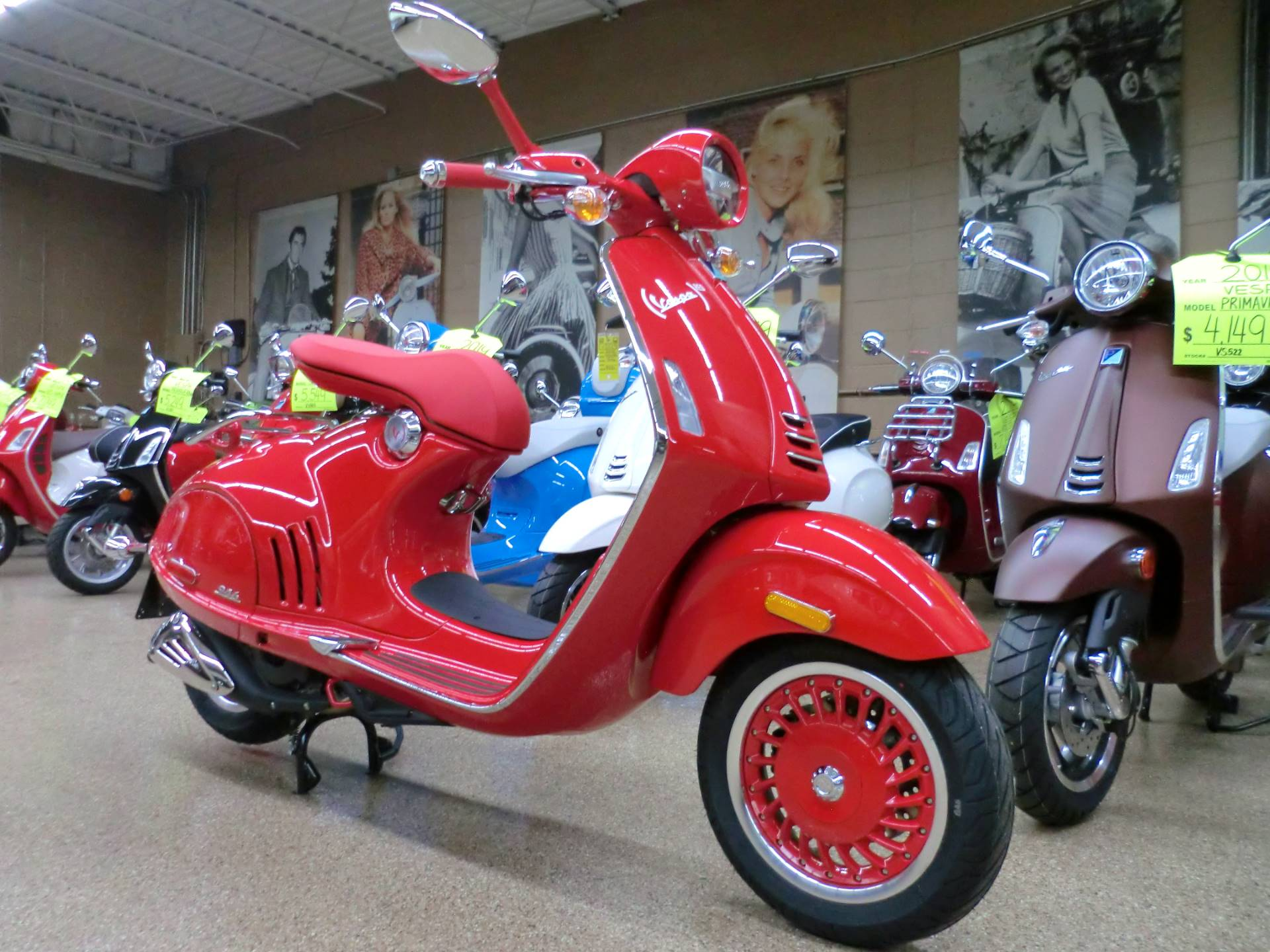 2018 Vespa 946 in Downers Grove, Illinois - Photo 1