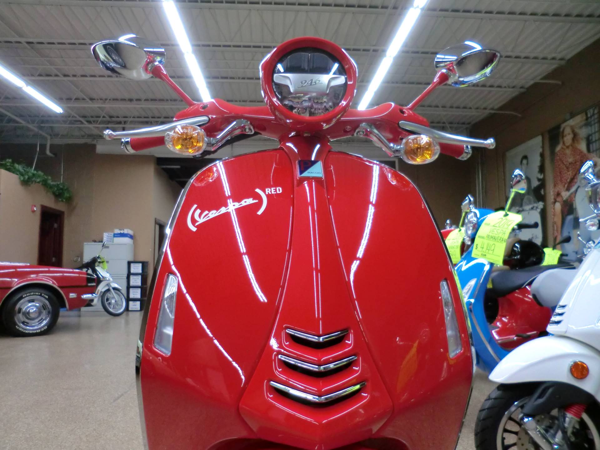 2018 Vespa 946 in Downers Grove, Illinois - Photo 2