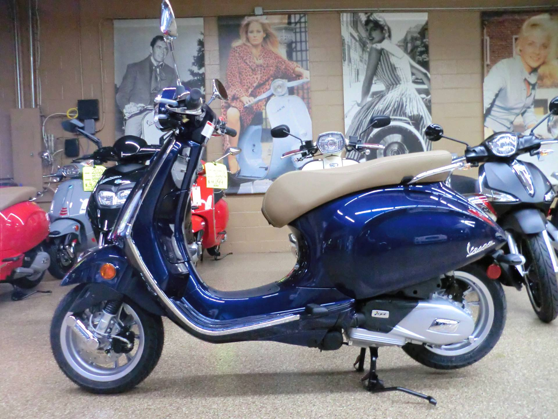 2020 Vespa Primavera 150 in Downers Grove, Illinois - Photo 4