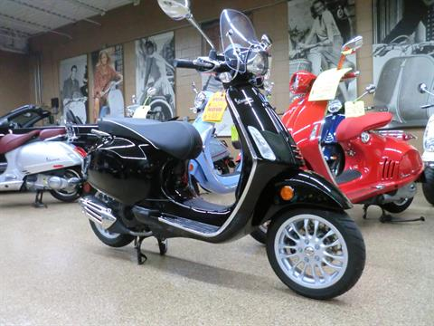 2017 Vespa Sprint 150 in Downers Grove, Illinois - Photo 1