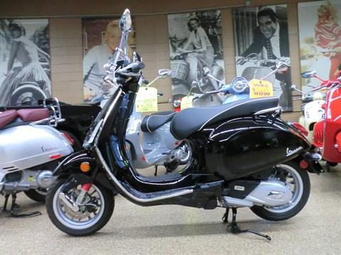 2017 Vespa Sprint 150 in Downers Grove, Illinois - Photo 4