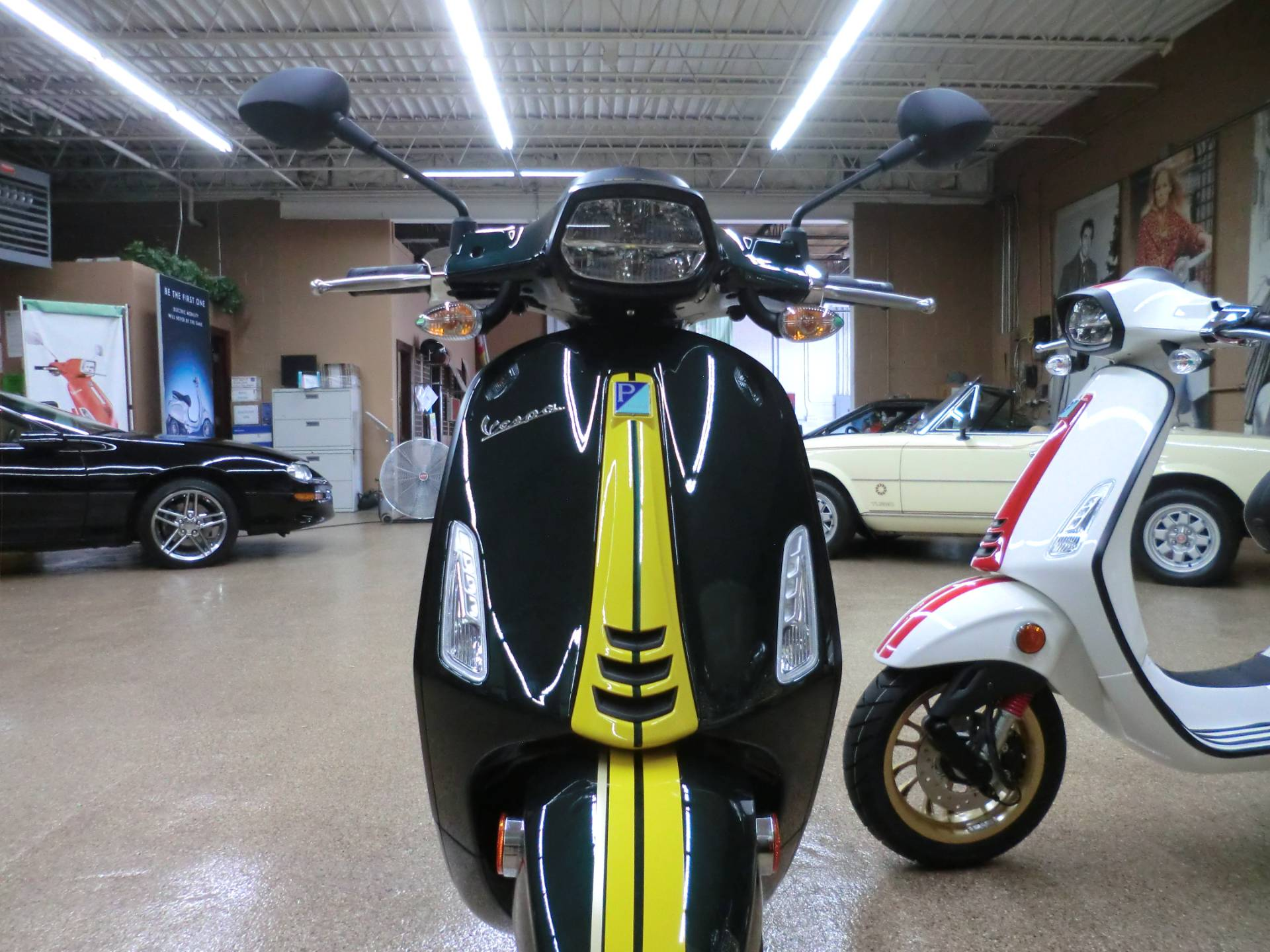 2021 Vespa Sprint Racing Sixties 50 in Downers Grove, Illinois - Photo 2