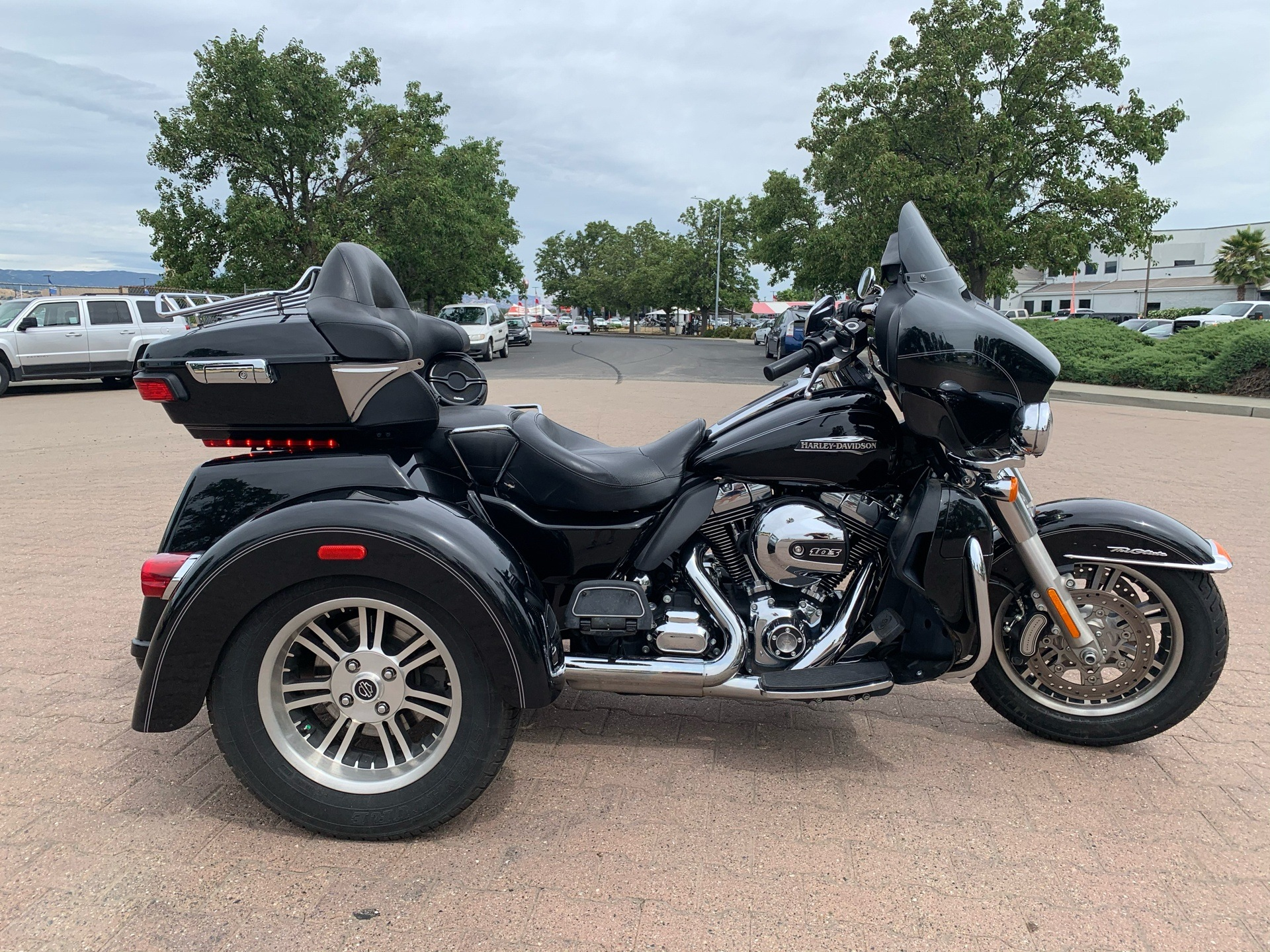2014 Harley-Davidson Tri Glide® Ultra in Vacaville, California - Photo 2