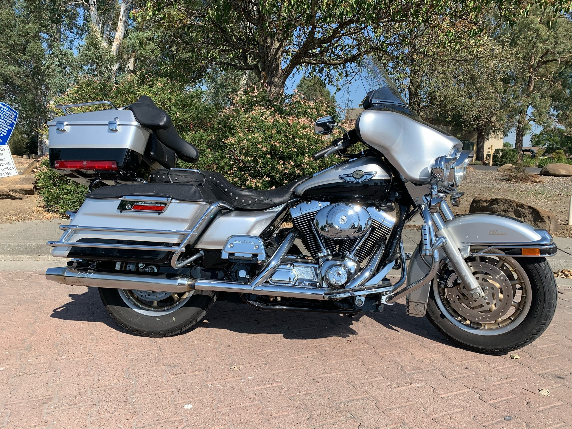 2003 Harley-Davidson FLHTC/FLHTCI Electra Glide® Classic in Vacaville, California - Photo 2