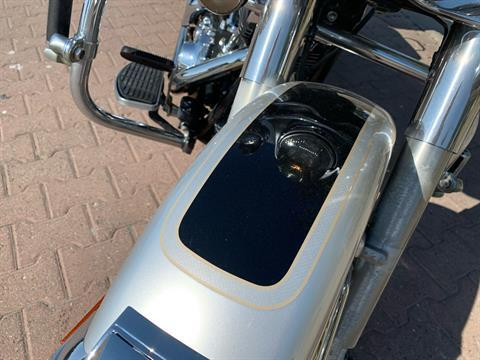 2003 Harley-Davidson FLHTC/FLHTCI Electra Glide® Classic in Vacaville, California - Photo 5