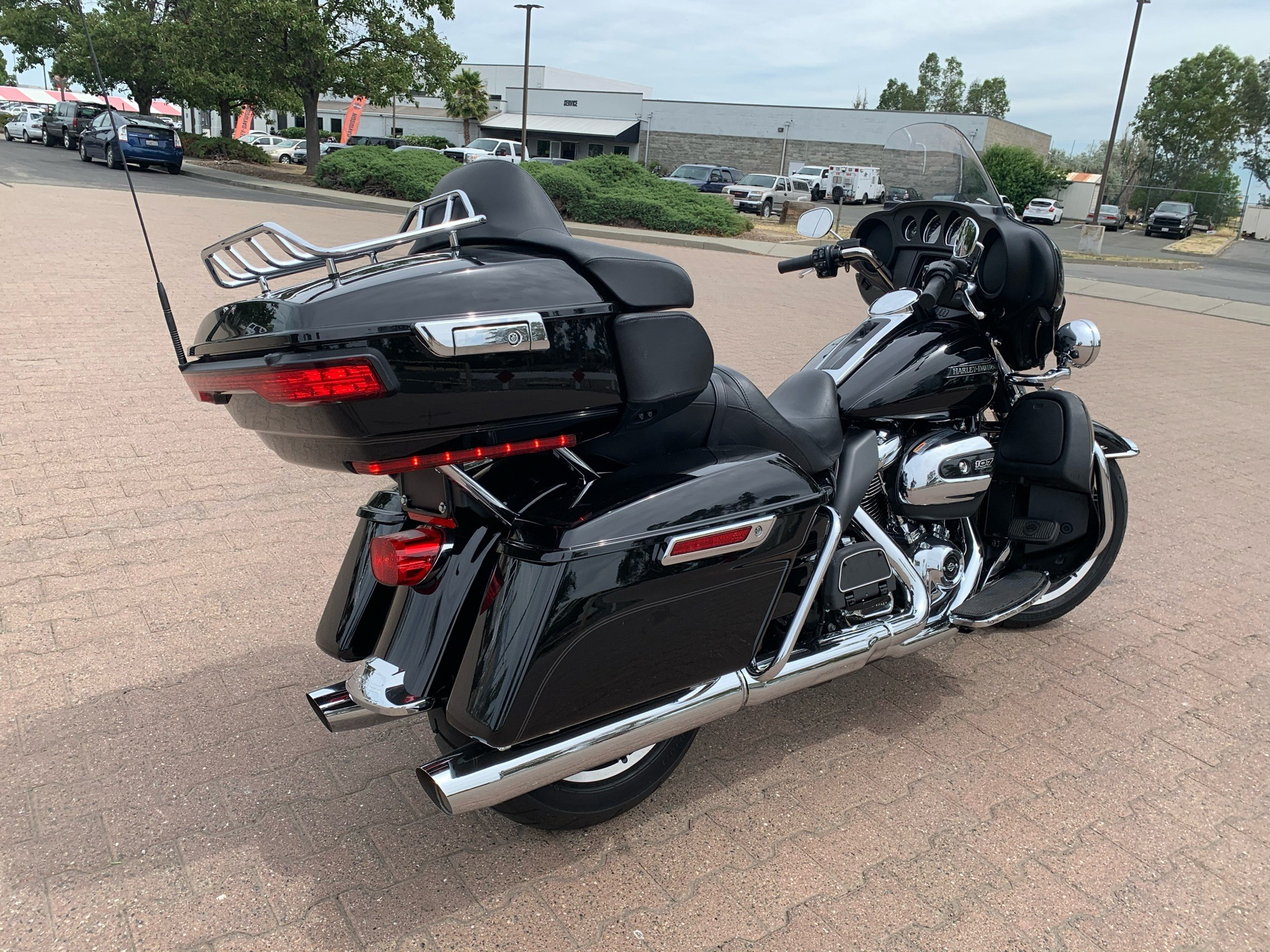 2019 Harley-Davidson Electra Glide® Ultra Classic® in Vacaville, California - Photo 3