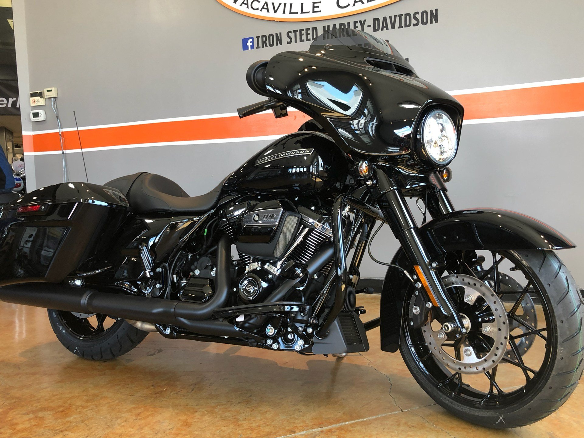 2020 Harley-Davidson Street Glide® Special in Vacaville, California - Photo 2