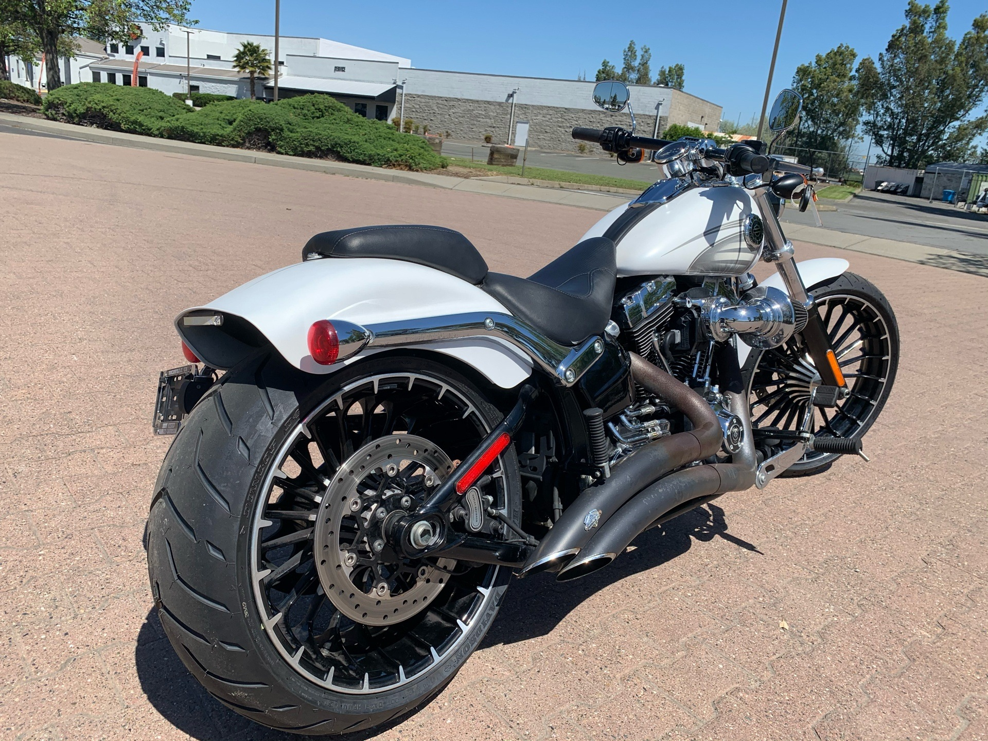 2017 Harley-Davidson Breakout® in Vacaville, California - Photo 3