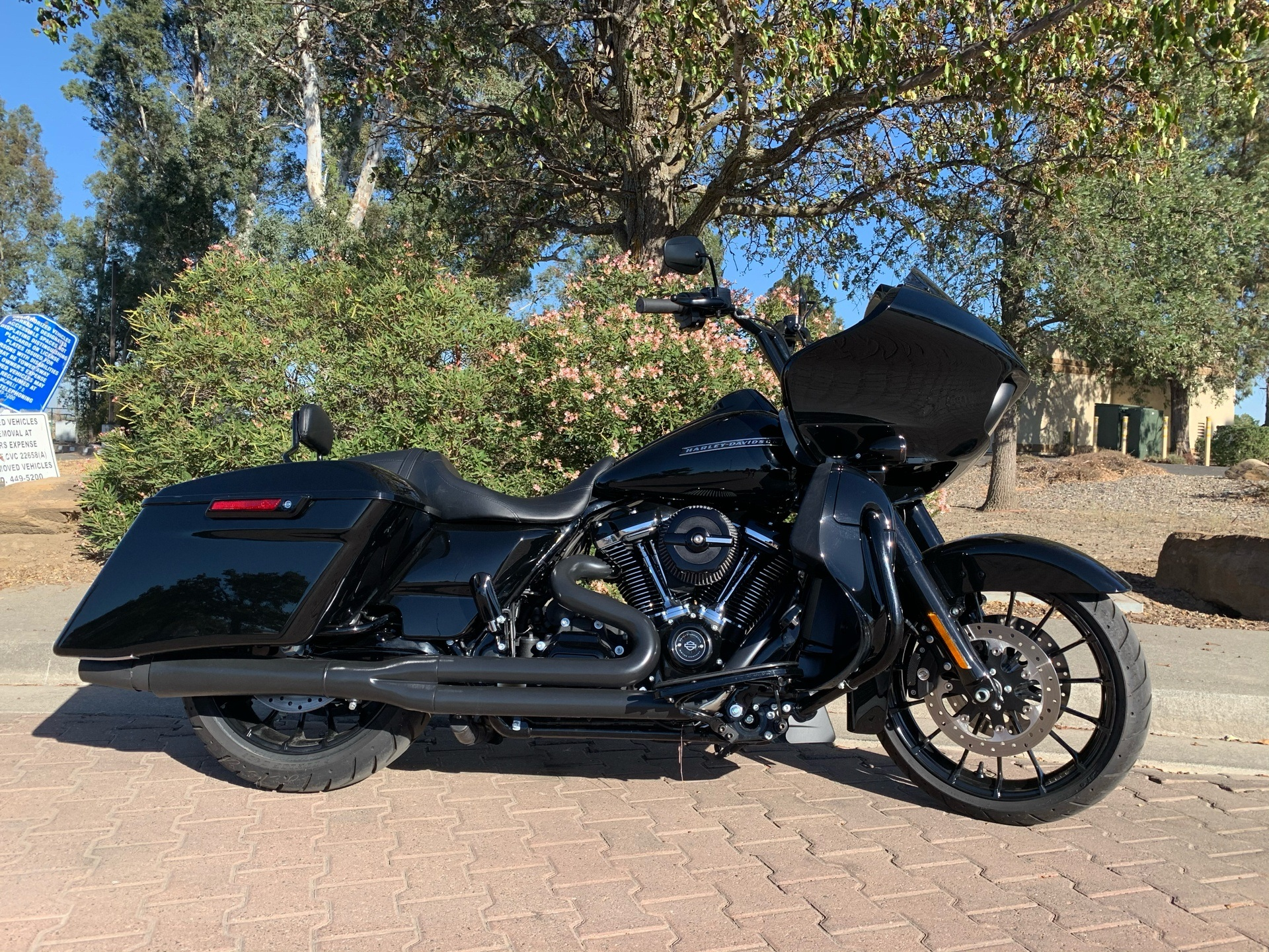 2018 Harley-Davidson Road Glide® Special in Vacaville, California - Photo 2