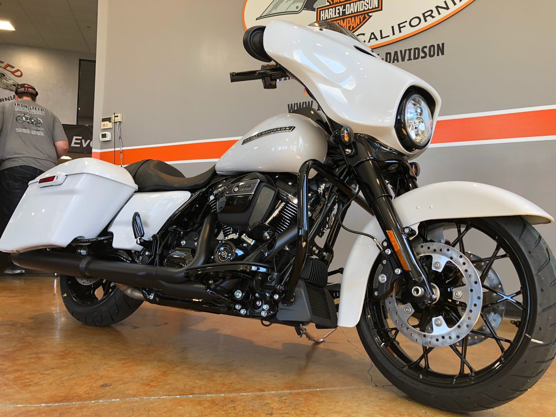2020 Harley-Davidson Street Glide® Special in Vacaville, California - Photo 10
