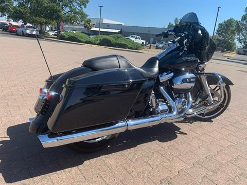 2017 Harley-Davidson Street Glide® Special in Vacaville, California - Photo 2