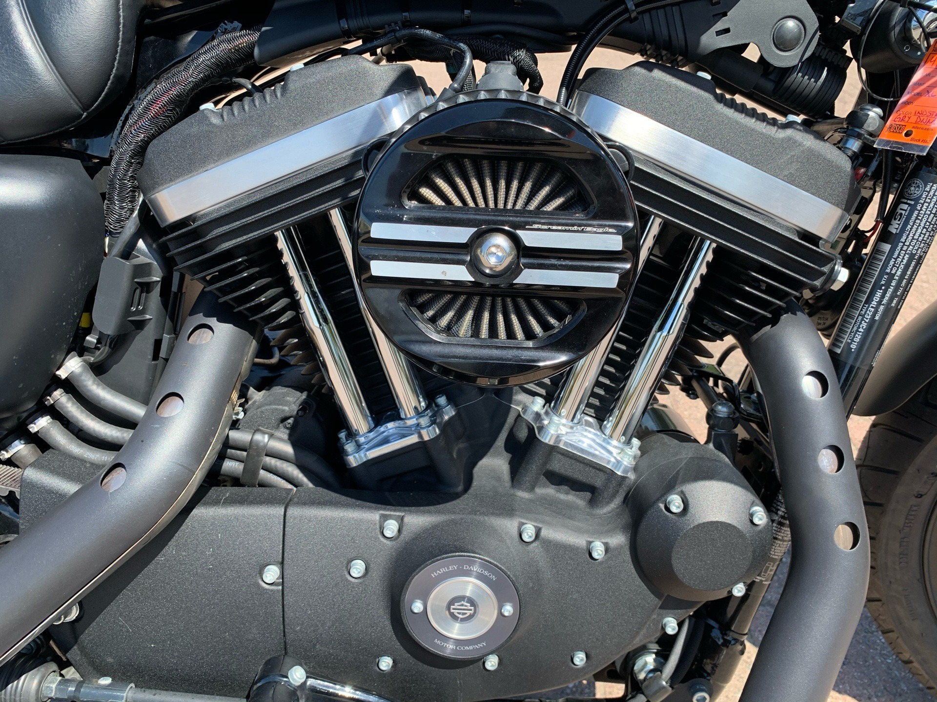 2018 Harley-Davidson Iron 883™ in Vacaville, California - Photo 6