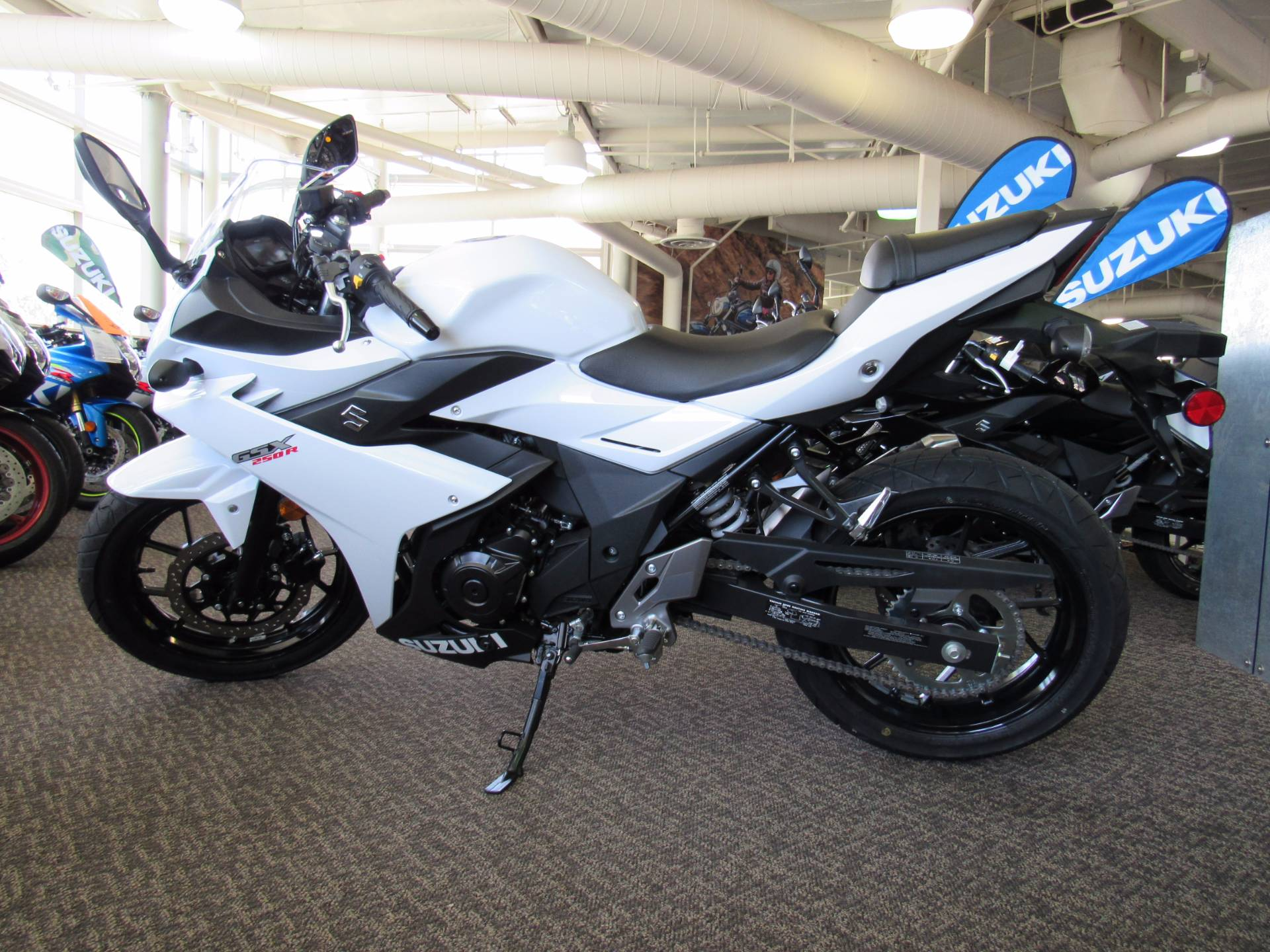 New 2018 suzuki gsx250r motorcycles in irvine ca stock for Yamaha dealers in oregon