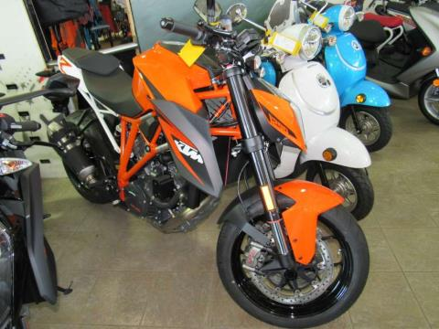 2016 KTM 1290 Super Duke R in Irvine, California