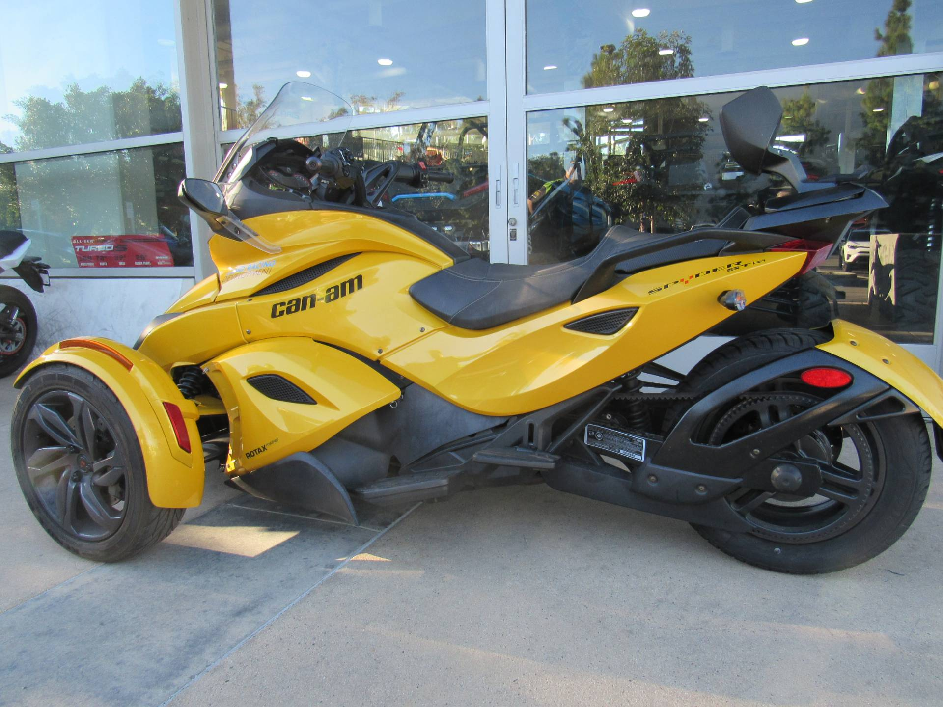 2013 Can-Am™ Spyder ST-S SE5 2