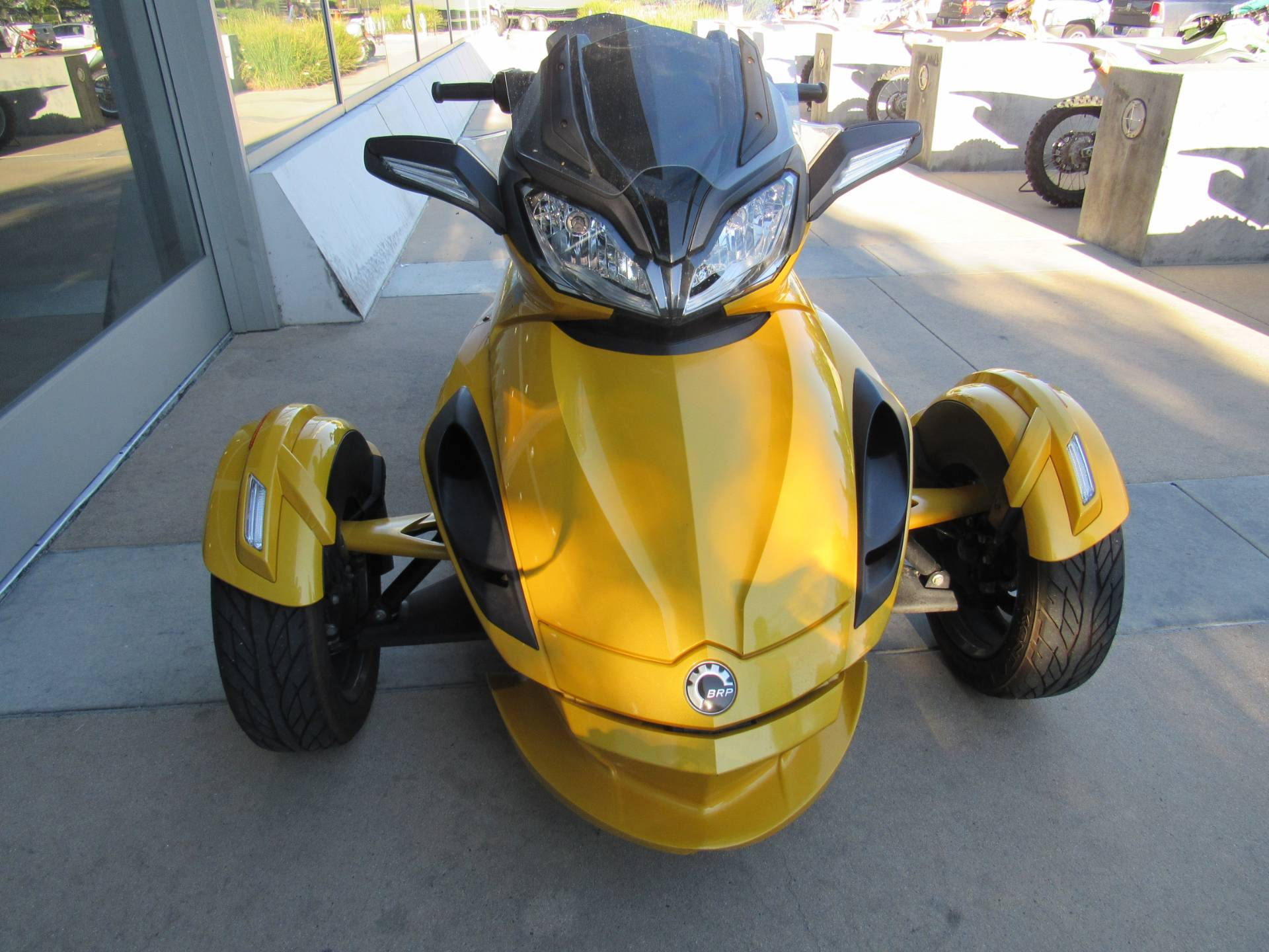 2013 Can-Am™ Spyder ST-S SE5 6