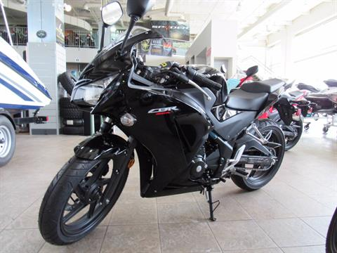 2016 Honda CBR300R in Irvine, California