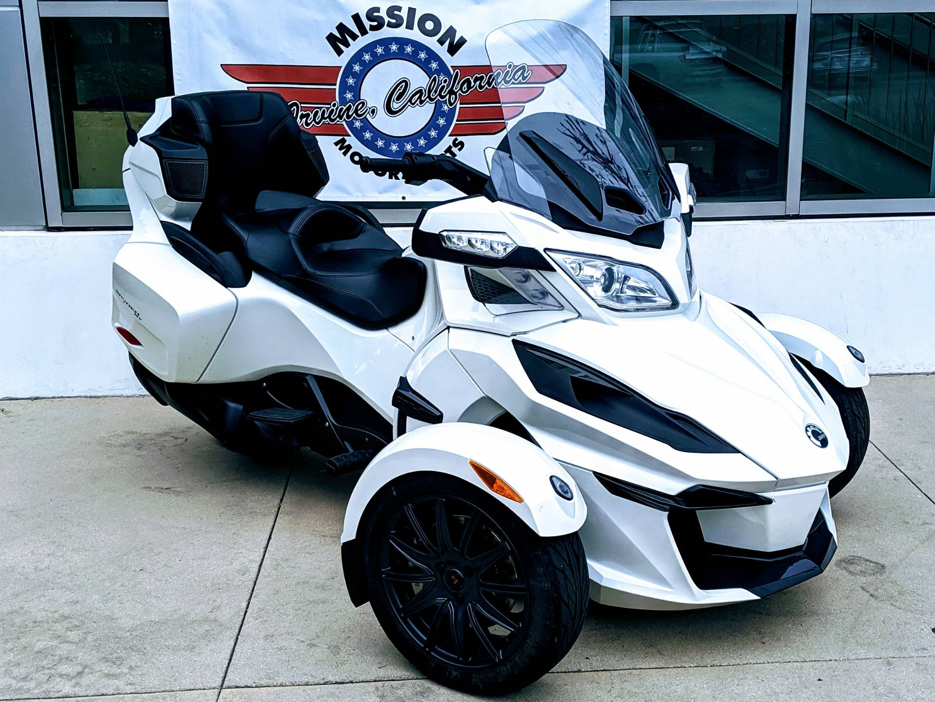 2018 Can-Am Spyder RT SE6 in Irvine, California - Photo 1