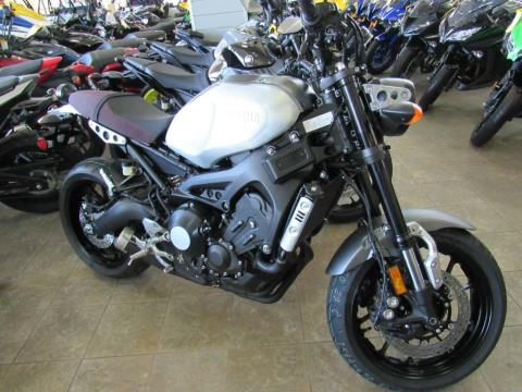 2016 Yamaha XSR900 Brushed Aluminum / Mat Gray in Irvine, California