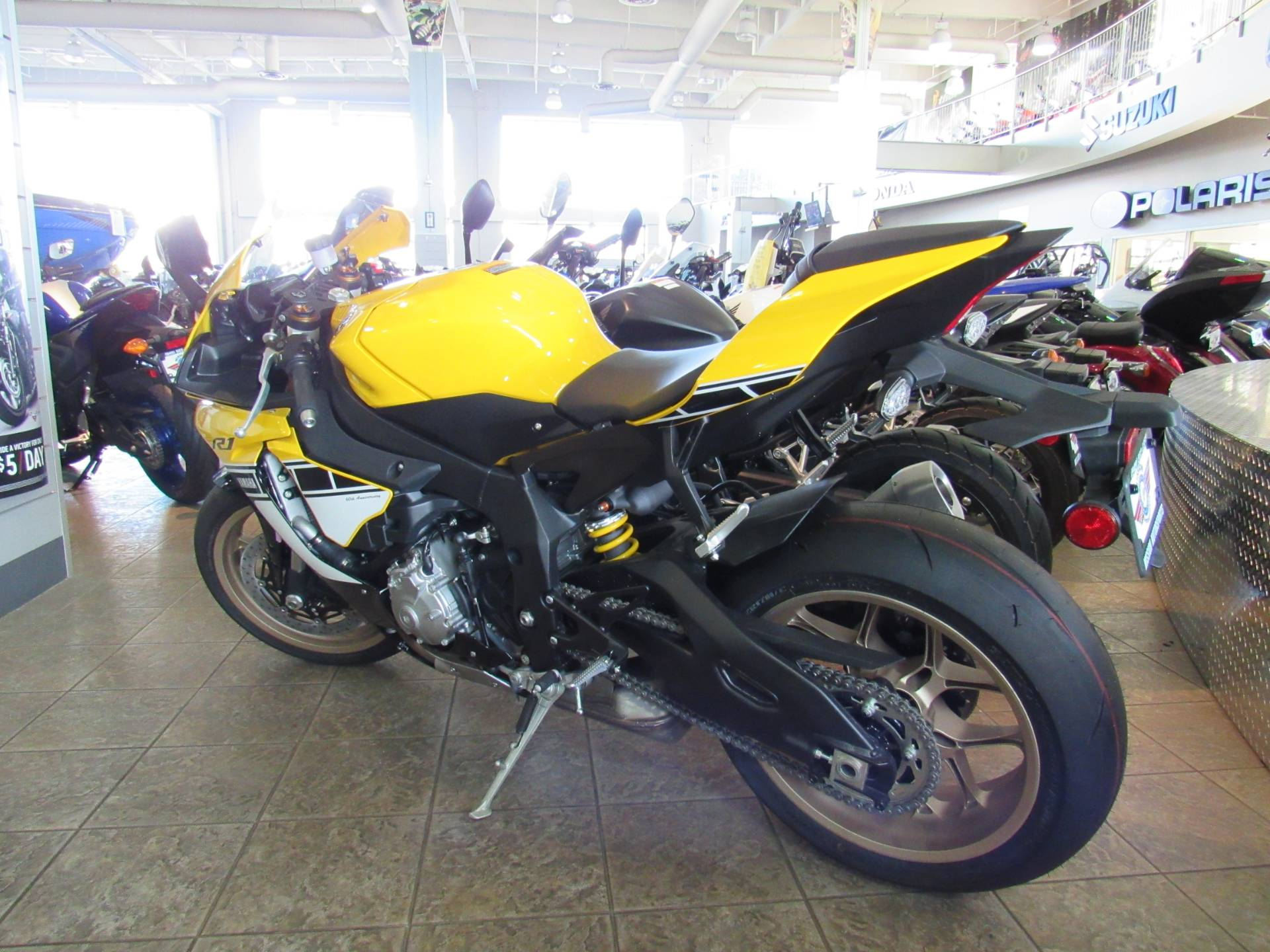 2016 Yamaha YZF-R1 2