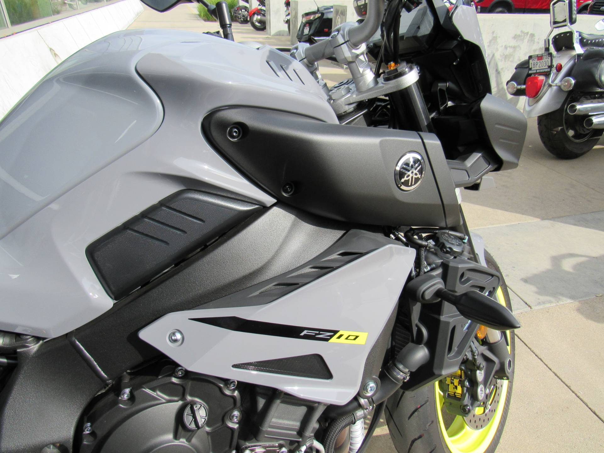 2017 Yamaha FZ-10 11