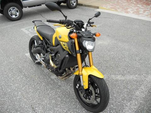 2015 Yamaha FZ-09 in Derry, New Hampshire