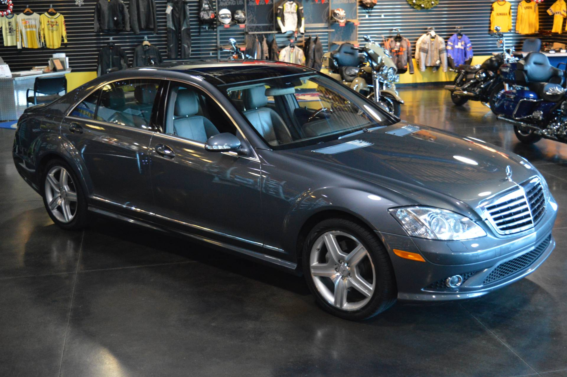 2007 Mercedes-Benz S550 4MATIC in Derry, New Hampshire - Photo 1