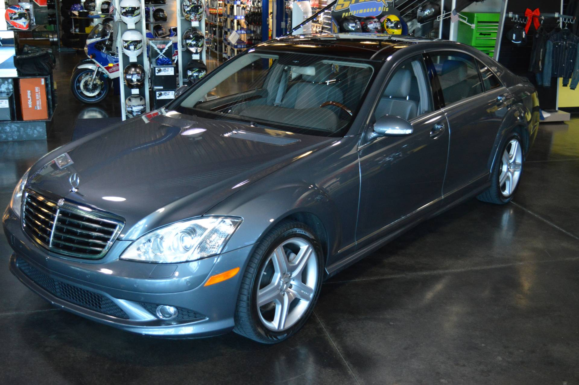 2007 Mercedes-Benz S550 4MATIC in Derry, New Hampshire - Photo 2